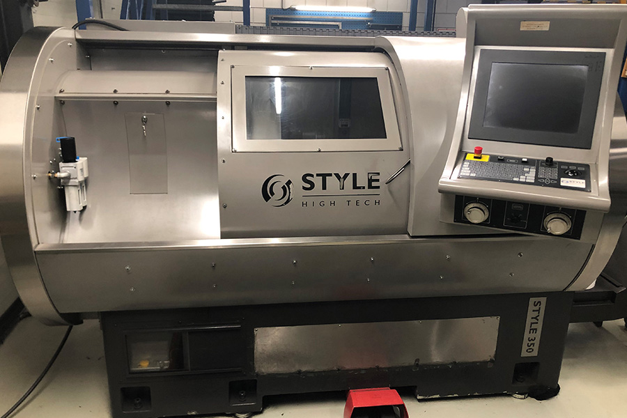STYLE 350 (850) - CNC occasion